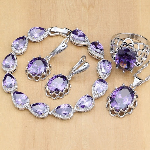 Qualities that Make Cubic Zirconia So Desirable to Gemstone Lovers